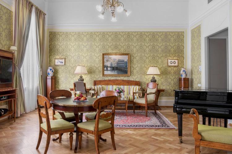 Mikhaylovskaya Ulitsa 1/7, Saint Petersburg, 191186, Russia.