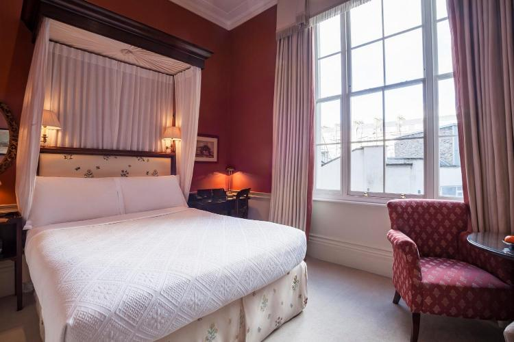 3 Westbourne Terrace, Lancaster Gate, Hyde Park, London W2 3UL, United Kingdom.