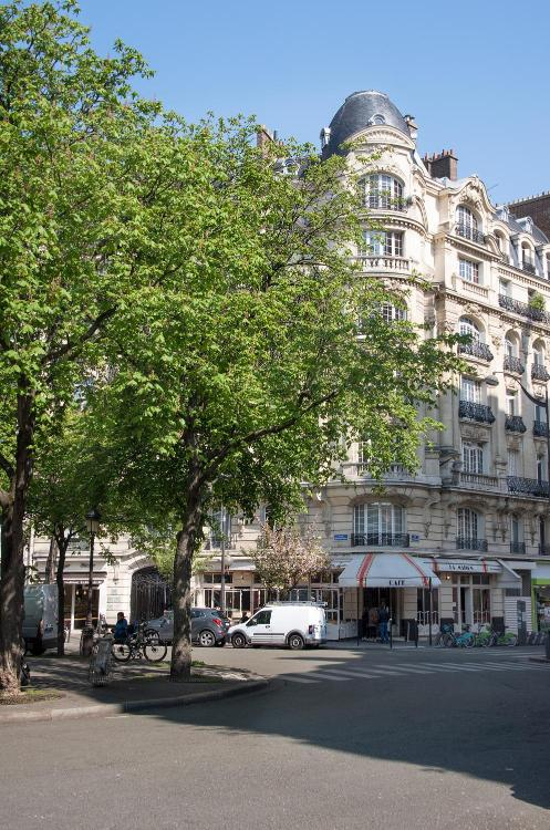 81 Boulevard Gouvion Saint-Cyr, 75848 Cedex 17, 75017 Paris, France.