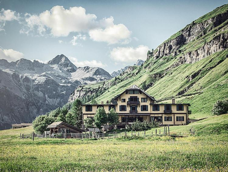Via da Fex 73, 7514, Switzerland.