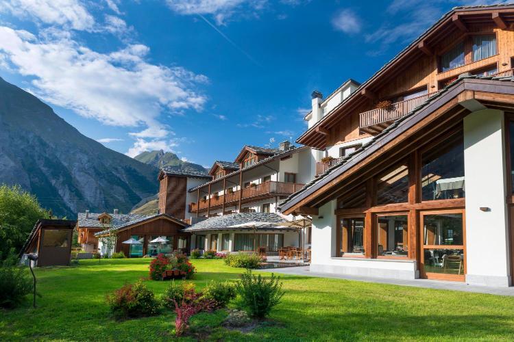 Località Arly, 87, 11016 La Thuile, Italy.