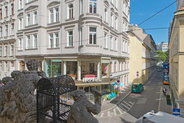 Papagenogasse 6, 1060 Vienna, Austria.