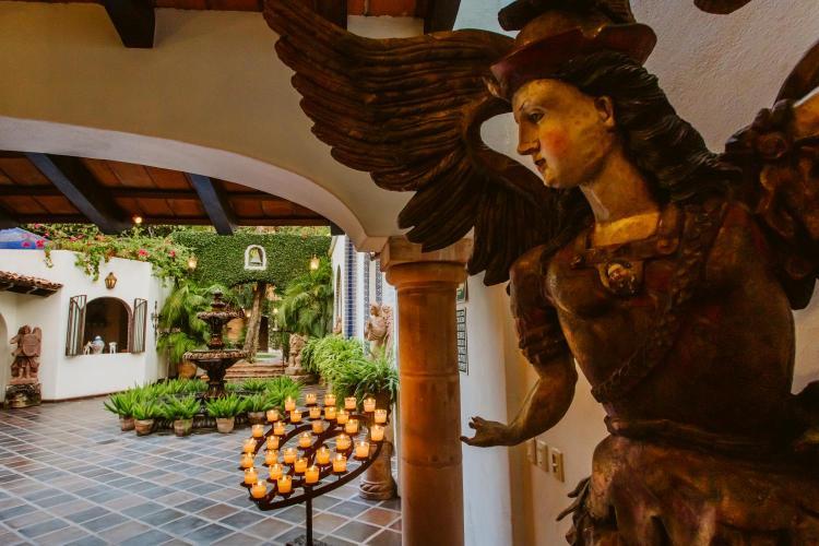 Miramar 336, El Centro Puerto Vallarta, 48300, Mexico.