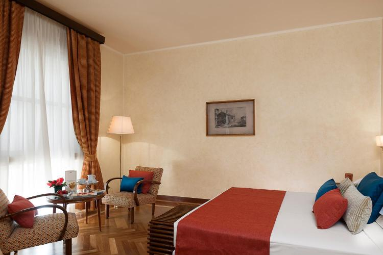 Via Cavour 15, 00184 Rome, Italy.