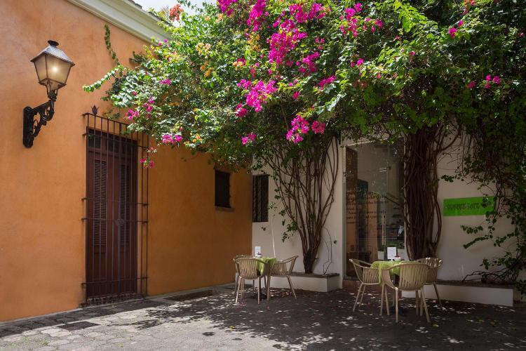 Calle Padre Billini 256-258, Colonial City, Santo Domingo, Dominican Republic.