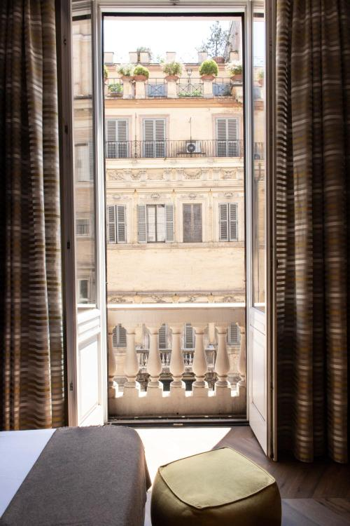 Corso Vittorio Emmanuelle 21, 00186, Italy.