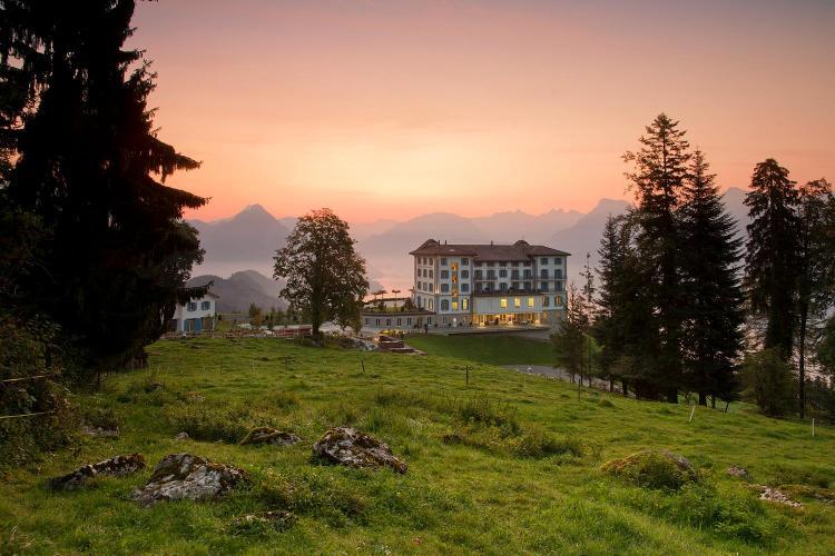 Honegg, 6373 Ennetbürgen, Switzerland.