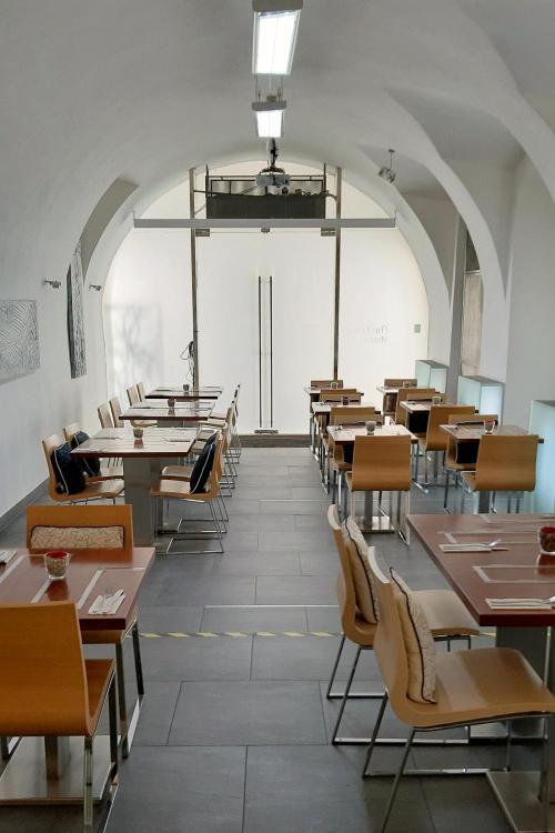 Celetná 29, Praha 1, 110 00, Prague, Czech Republic.