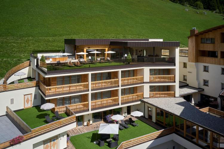 Sassongherstr, 45 39033, Corvara in Badia (BZ), Italy.