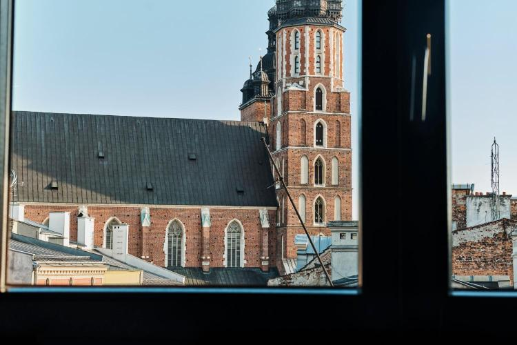 Floriańska 14, 31-021 Kraków, Poland.