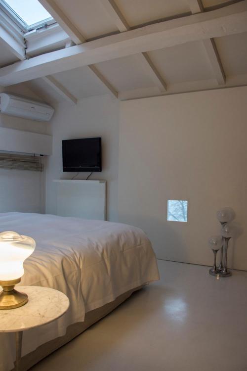 Via Baccio Bandinelli 98, Florence, 50142, Italy.