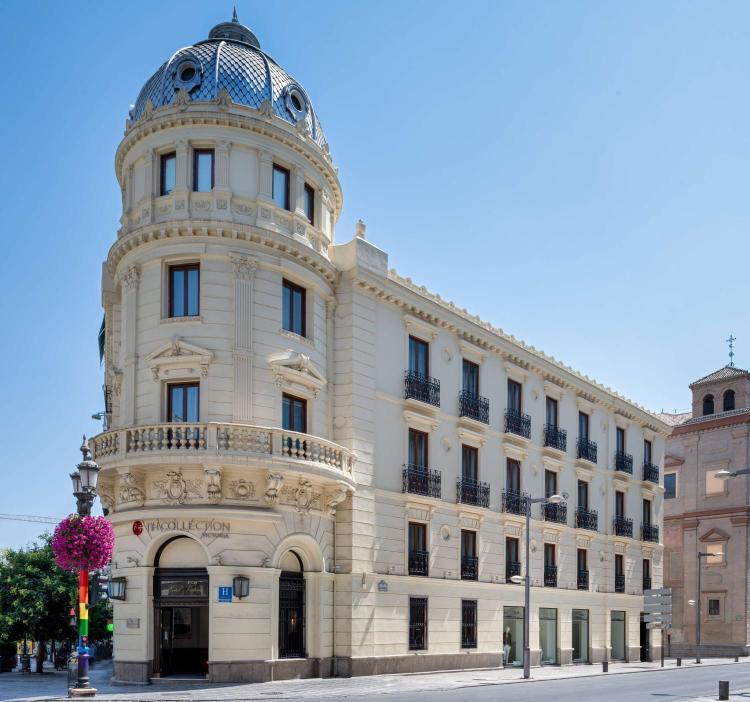 Puerta Real de España, 3, 18005 Granada, Spain.