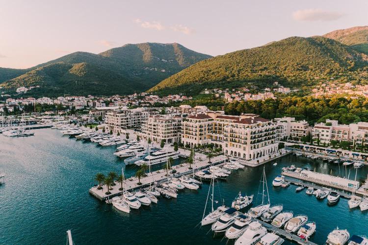 Obala bb, Porto Montenegro, Tivat 85320, Montenegro.