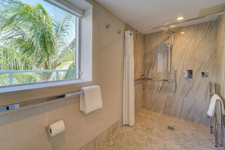 1671 Collins Avenue, Miami Beach, 33139, United States.