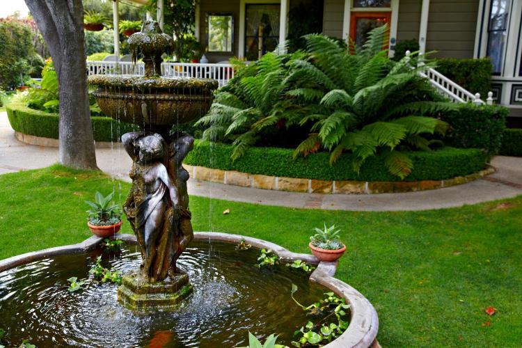 121 East Arrellaga Street, Santa Barbara, California, 93101, United States.