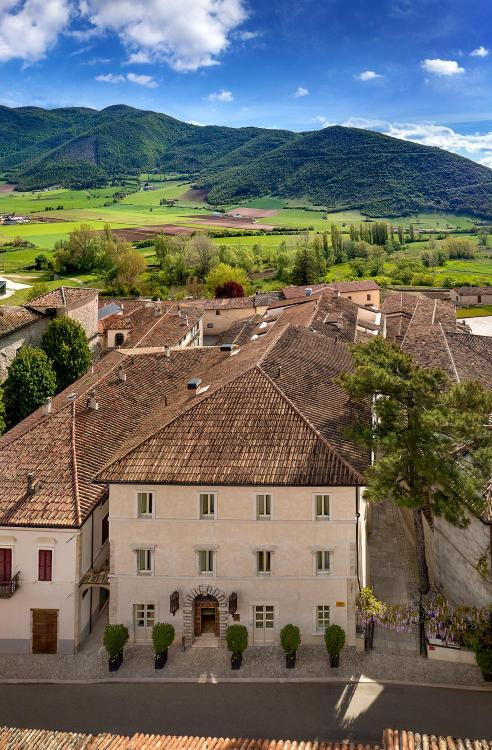 Via Cesare Battisti, 12, 6046 Norcia, Umbria, Italy.