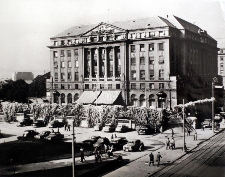 Mihanoviceva 1, 10000 Zagreb, Croatia.