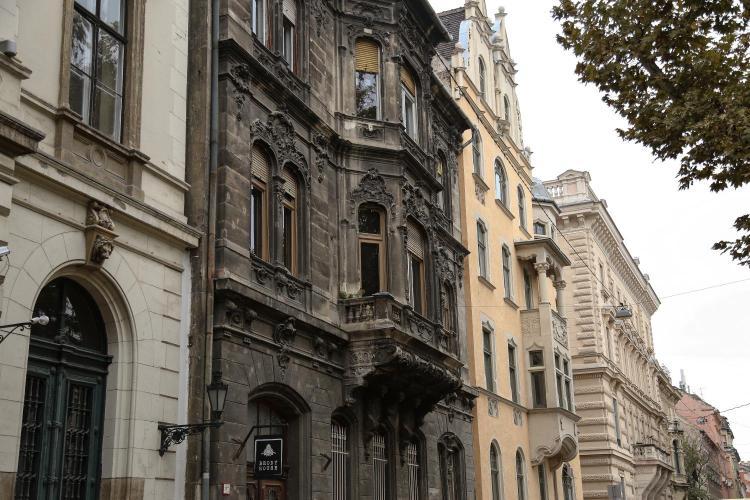 Bródy Sándor utca 10, Budapest, 1088, Hungary.