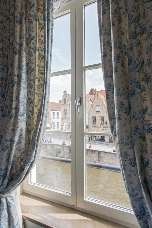 Kartuizerinnenstraat 10, Bruges, 8000, Belgium.