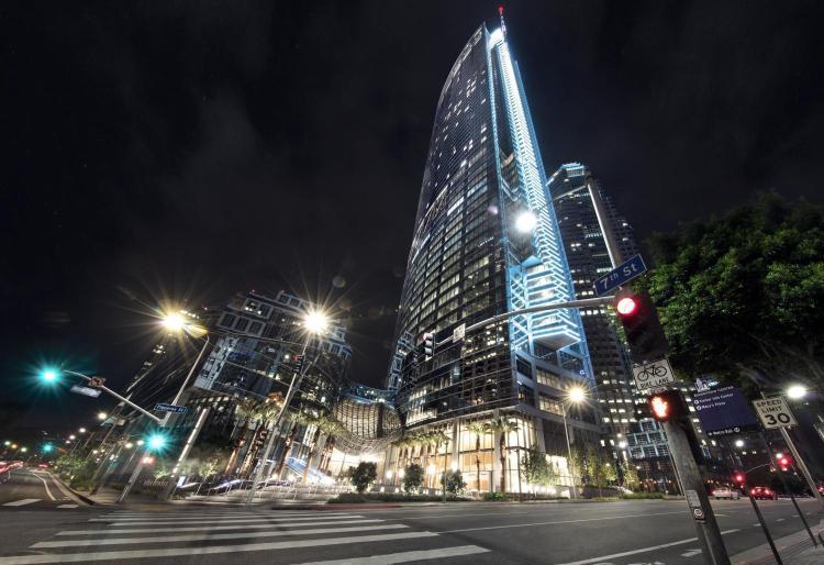 900 Wilshire Boulevard, Los Angeles, California, United States.