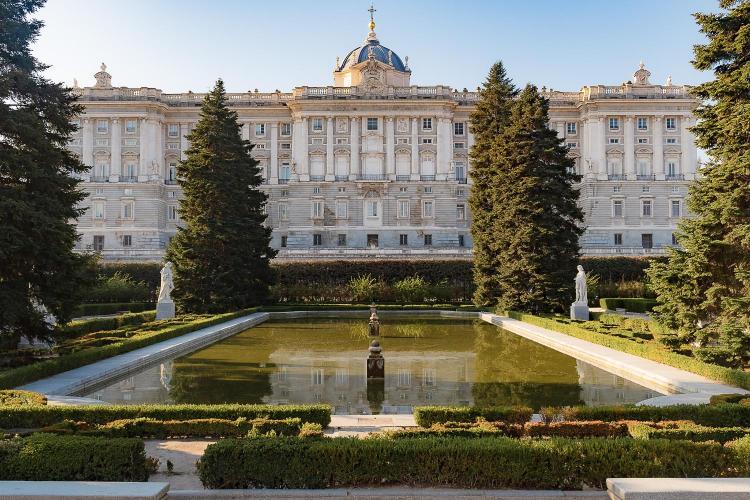 Calle Cadarso 19, 28008 Madrid, Spain.