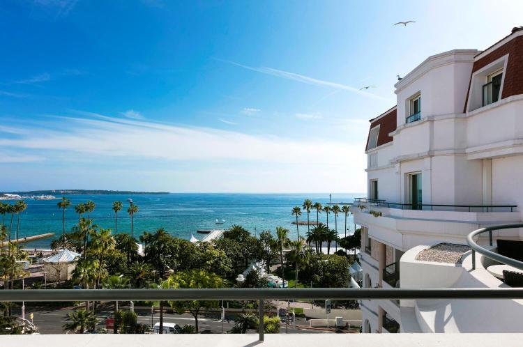 10 La Croisette, 06407, Cannes, France.