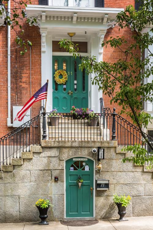 11 W Park St, Providence, RI 02908, United States.