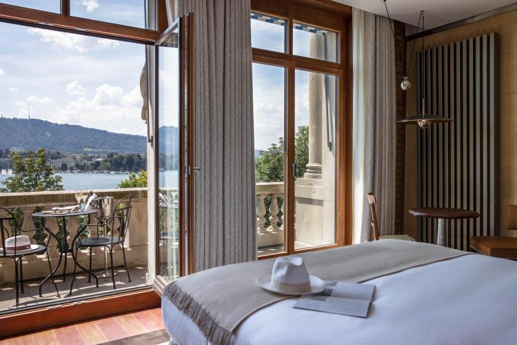 Utoquai 45, 8008 Zürich, Switzerland.