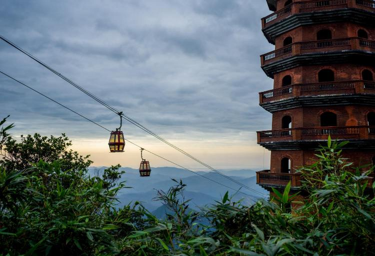 Thuong Yen Cong Commune, Quảng Ninh, 200000, Vietnam.