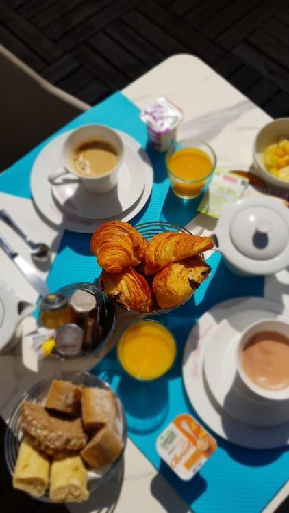 33, boulevard Victor Hugo, Nice, 06000, France.