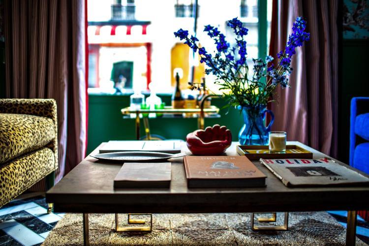 2 Rue des Deux Gares, 75010 Paris, France.