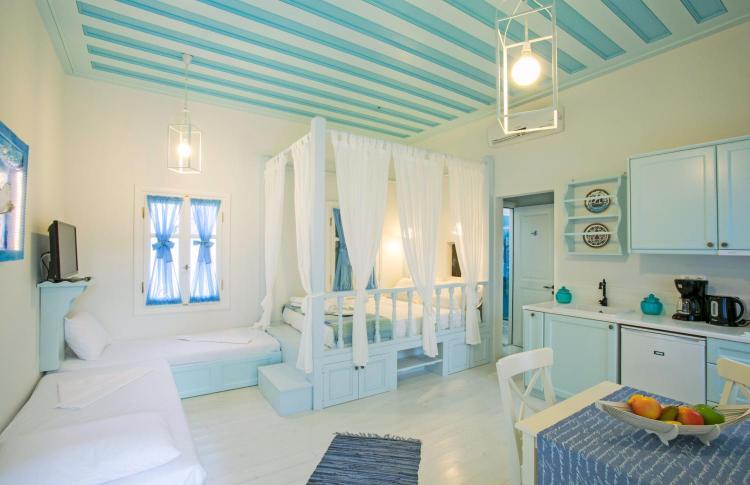 Marias Konstantaki 11, 851 00, Rhodes, Greece.