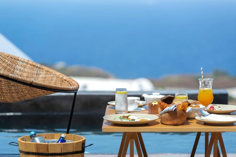 Oia, Santorini, 847 02, Greece.