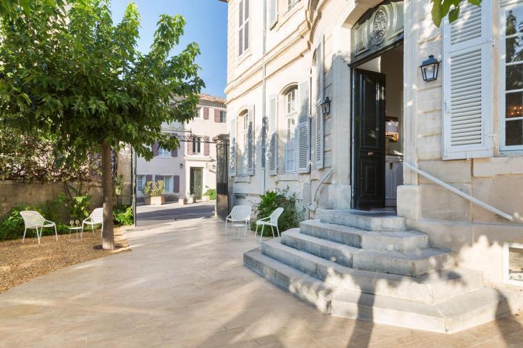 Rue Napoleon, 84380 Mazan, France.