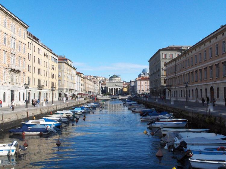 Via Fabio Filzi, 4, 34132 Trieste TS, Italy.