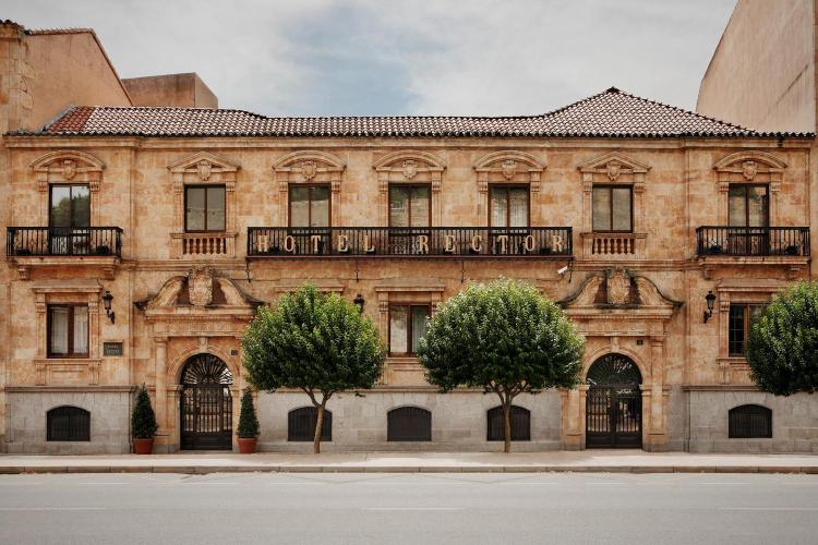 Paseo Rector Esperabé 10, 37008, Salamanca, Spain.