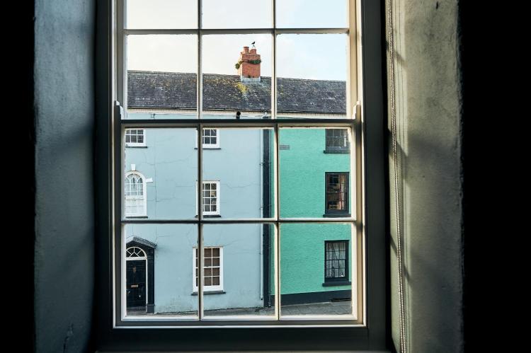 King Street, Laugharne SA33 4R, Wales.