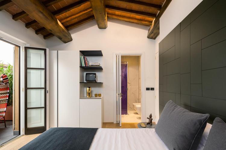 Via de' Tornabuoni 8, 50123 Florence, Italy.