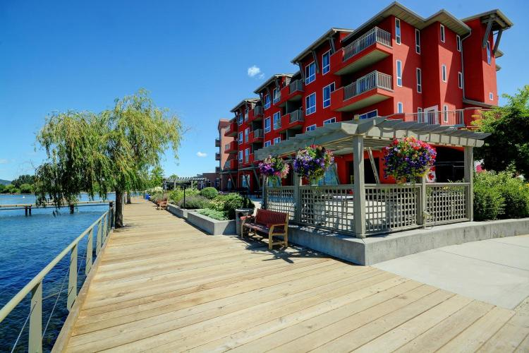 3762 Lakeshore Road, Kelowna, British Columbia, V1W 3L4, Canada.
