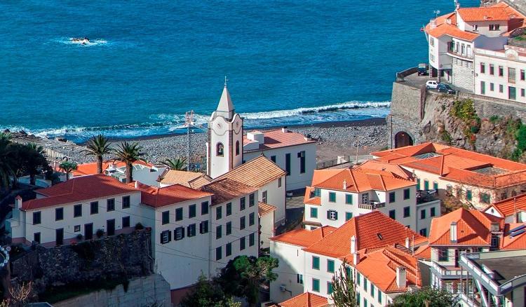 Rua Dr. João Augusto Teixeira, 9360 -215 Ponta do Sol, Madeira, Portugal.