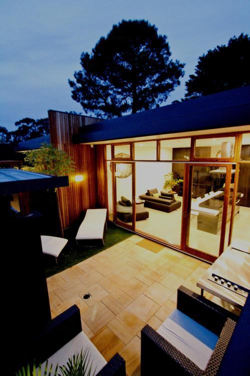 96 Old Mt Barker Road, Stirling, South Australia 5152, Australia.