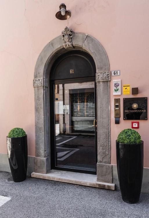 Via Giuseppe Pasolini 61, 48121 Ravenna, Italy.