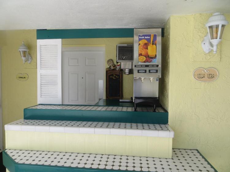 250 9th Street South, Naples, 34102