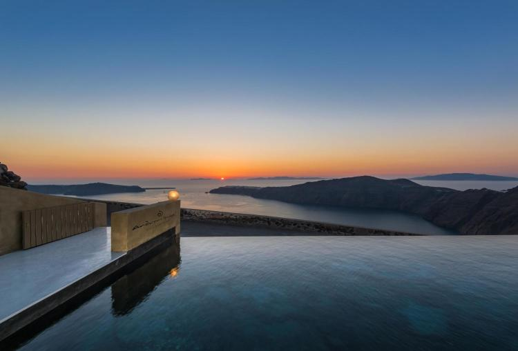 Eparchiaki Odos Firon-Ias, Imerovigli, 84702, Santorini, Greece.