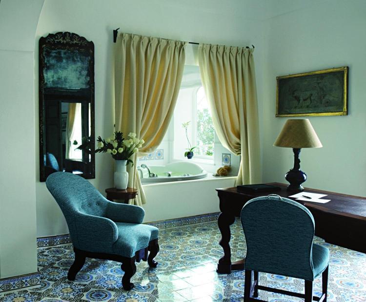 Via Cristoforo Colombo 30, 84017 Positano, Italy.