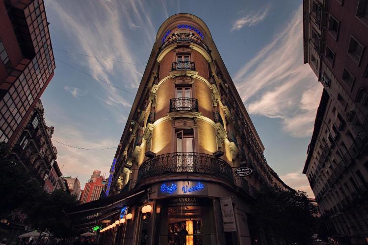 Calle de Preciados, 37, 28013 Madrid, Spain.