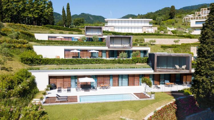 Via Ronciglio 51/A, 25083 Gardone Riviera, Italy.