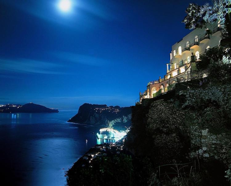 Via Giuseppe Orlandi, 4 - 80071 Anacapri (Na) Italy.