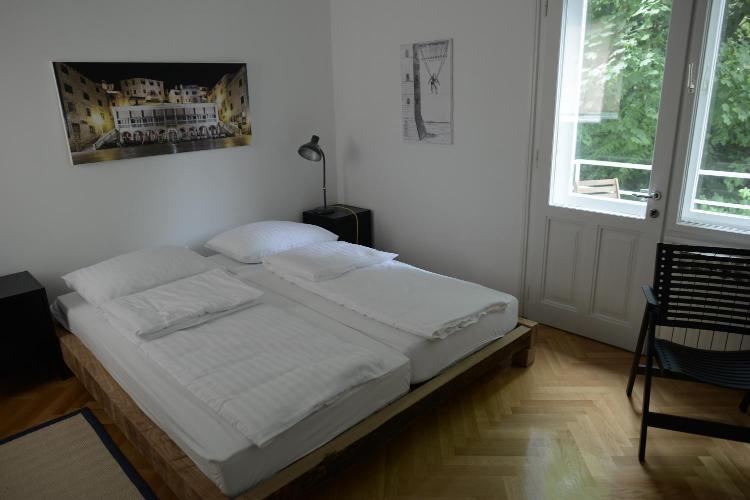 Bosanska 3, 10000, Zagreb, Croatia.