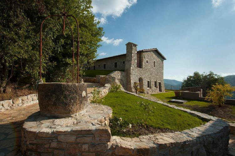 Localita' Tarina 2, 05010 Parrano TR, Italy.